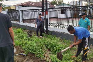 Kerja Bakti Kebersihan dilingkungan PN Sanana